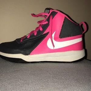 Other - Nike basketball shoe